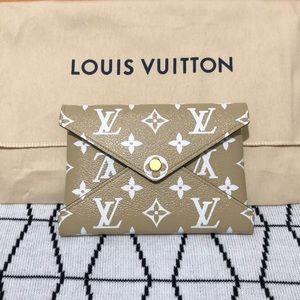 NIB Louis Vuitton Kirigami Pouch Medium